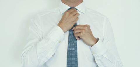 la clientèle d'abord de gros nouvelles images de Comment faire un noeud de cravate | Robert Half